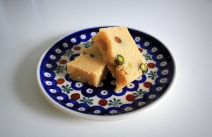 İrmik Helvası - Semolina Halva with Cardamom & Pistachio